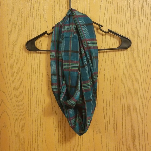 Catherines Accessories - Green Plaid Infinity Scarf